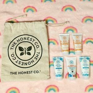 SALE 2/$10 Honest Co Baby Bath & Skin Sampler